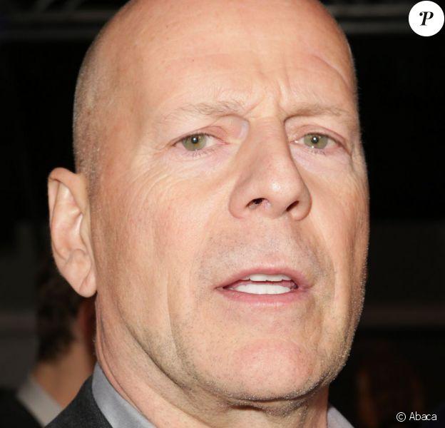 Bruce Willis ici lors d'une soirée à l'AMC Empire de New York le 13 février 2013, s'est excusé après sa déroutante prestation sur la BBC la semaine passée.