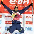 Martin Fourcade heureux comme un gamin après avoir été sacré champion du monde de biathlon sur le 20 kilomètre à Nove Mesto en Répubique Tchèque le 14 février 2013