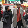 Forest Whitaker et Angela Bassett en pleine discussion pendant le tournage du film Black Nativity à Times Square, New York City, le 5 février 2013.