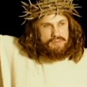 Tarantino parodié : Son acteur Christoph Waltz s'attaque à Jésus Christ