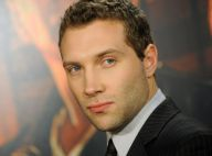 Jai Courtney (Die Hard 5) : Admiratif de son père le 'gourou' Bruce Willis