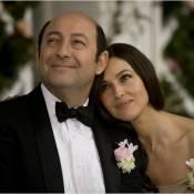 Monica Bellucci, Kad Merad et Eric Elmosnino se déchirent et s'embrassent