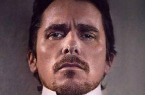 PHOTOS : Christian Bale sait faire un noeud... de cravate !