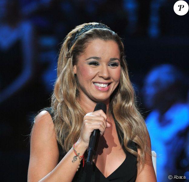 Chimène Badi sur le plateau de l'émission 300 Choeurs Pour La Vie, sur France 3, le 24 septembre 2012.
