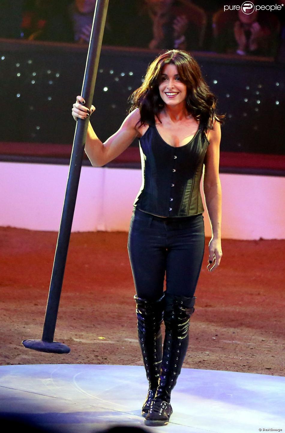 Jenifer superbe lors du Gala de l'Union des Artistes au cirque Alexis Gruss en novembre 2012