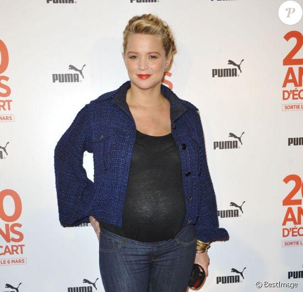 Virginie Efira enceinte et radieuse pour l'avant-première du film 20 ans d'écart au Gaumont Opéra Capucines à Paris, le 6 mars 2013.