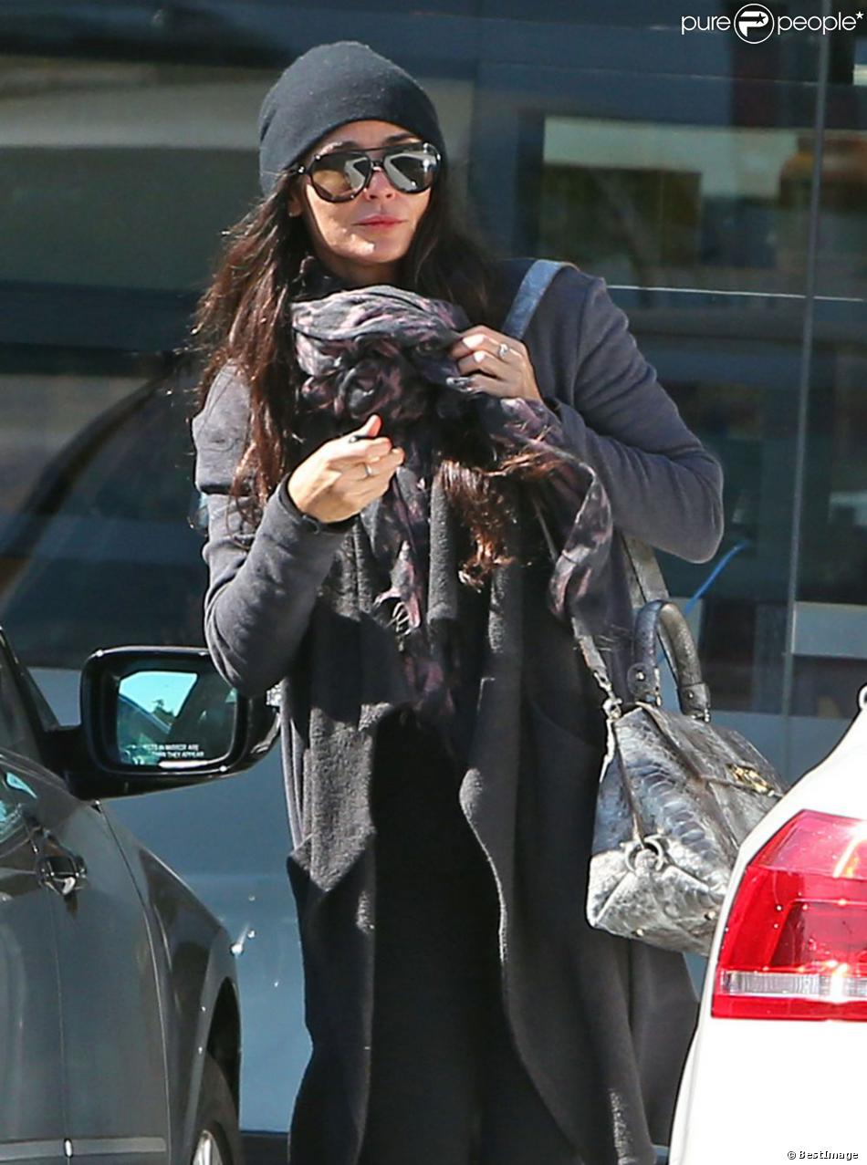 Exclu- Demi Moore quitte le centre de nutrition Great Earth Vitamins dans les rues de West Hollywood, à Los Angeles, le 11 février 2013.