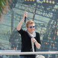 Michel Telo chante pendant le 65e Festival de Cannes, à Cannes, le 22 mai 2012.