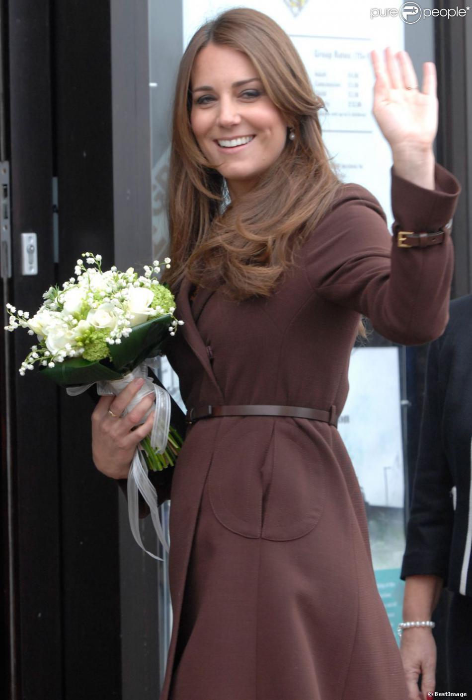 Kate Middleton, enceinte, visite l'Académie Havelock à Grimsby, le 5 mars 2013.