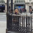 Geri Halliwell a pris un très grand plaisir dans le métro londonien, le 13 mars 2013.