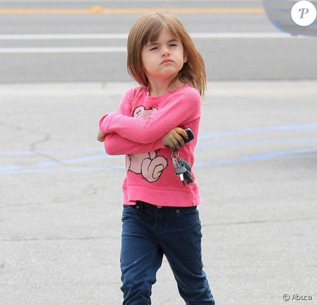 La petite Anja était d'humeur boudeuse lors d'une virée courses chez Whole Foods le 20 mars 2013