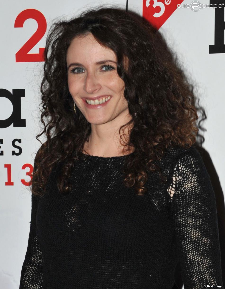 Elsa Lunghini très souriante lors de la soirée de clôture du Festival 2 Cinéma de Valenciennes le 24 mars 2013.