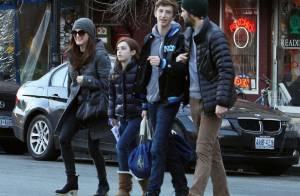 Julianne Moore et son mari : Maman radieuse avec son sosie Liv Helen et Caleb