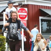 Chris Martin : Sans Gwyneth Paltrow, papa cool avec ses enfants Apple et Moses