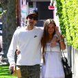 Adrien Brody très amoureux de sa belle Lara Lieto lors d'une ballade du côté de West Hollywood le 10 avril 2013