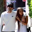 Adrien Brody et sa belle Lara Lieto complices lors d'une ballade en amoureux du côté de West Hollywood le 10 avril 2013