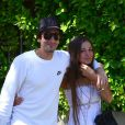 Adrien Brody et sa belle Lara Lieto lors d'une ballade en amoureux du côté de West Hollywood le 10 avril 2013