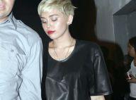 Miley Cyrus : Robe en cuir, la belle blonde dévergondée s'éclate sans boyfriend