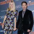 """Gwyneth Paltrow et Robert Downey Jr. lors de l'avant-première de """"Iron Man 3"""" au Grand Rex à Paris le 14 avril 2013"""