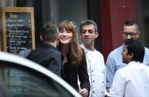 Carla Bruni, après un café avec son Raymond, se confie sur Giulia et Nicolas