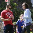 Mark Wahlberg, sa femme Rhea Durham et leur fille Ella profitent d'une après-midi en famille à Coldwater Park. Los Angeles, le 26 avril 2013.
