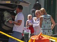 PHOTOS : Naomi Watts, enfin le départ pour des vacances en famille!