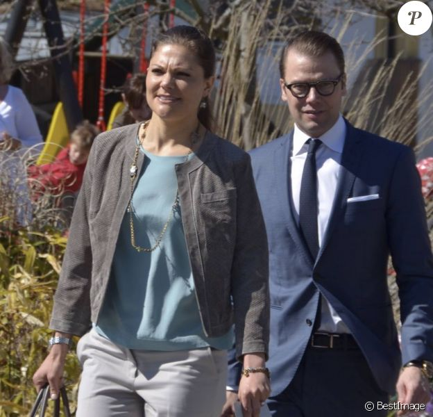 La princesse Victoria et le prince Daniel de Suède en visite dans le comté de Västra Götaland, à Göteborg, le 3 mai 2013.