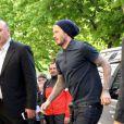 Le sportif David Beckham et Victoria Beckham font du shopping chez 'Bonpoint' et 'Comme des garçons' à Paris le 4 mai 2013.