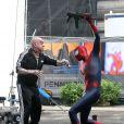 Andrew Garfield et Paul Giamatti se battent sur le tournage de The Amazing Spider-Man 2 à New York, le 13 mai 2013.