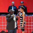 Les comédiens Sonia Rolland et Issa Doumbia, coprésentateurs de la cérémonie des Trace Urban Music Awards au Trianon. Paris, le 14 mai 2013.