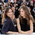 Géraldine Pailhas et Marine Vacth lors du photocall du film Jeune et Jolie au Festival de Cannes le 16 mai 2013