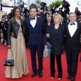 Karine Silla et son mari Vincent Perez, Danièle Thompson, Daniel Auteuil et sa femme Aude Ambroggi pendant la montée des marches du film Inside Llewyn Davis lors du 66e festival du film de Cannes, le 19 mai 2013.