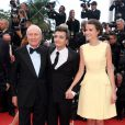 Jérôme Seydoux, Thomas Langmann, Céline Bosquet lors de la montée des marches du film Inside Llewyn Davis lors du 66e festival du film de Cannes, le 19 mai 2013.