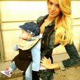 Jade Foret porte l'adorable Liva