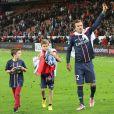 David Beckham (et ses enfants) fête le titre du PSG au Parc des Princes, à Paris, le 18 mai 2013.