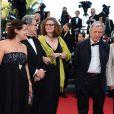 """Costa Gravas - Montée des marches du film """"Nebraska"""", présenté en compétition, lors du 66e Festival de Cannes, le 23 mai 2013."""