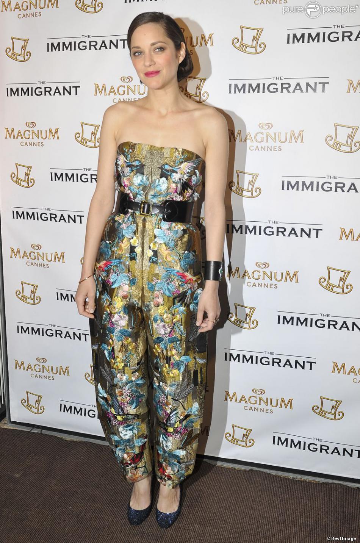Marion Cotillard lors de la soirée du film The Immigrant sur la plage Magnum au Festival de Cannes le 24 mai 2013