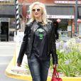 Gwen Stefani se promène dans le quartier de Chinatown à Los Angeles, le 24 mai 2013.