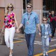 Mika Häkkinen et sa famille dans les allées du paddock du Grand Prix de F1 de Monaco le 25 mai 2013