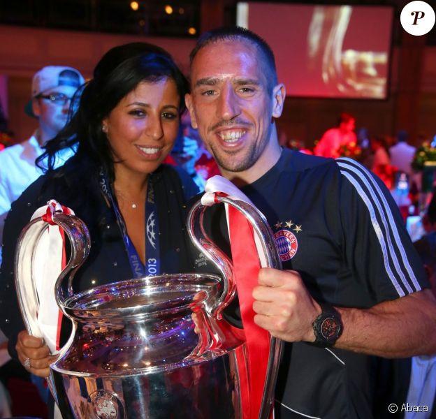 Franck Ribéry et sa femme Wahiba lors des célébrations au Grosvenor house de Londres après la victoire du Bayern Munich en finale de la Ligue des Champions face au Borussia Dortmund (2-1), le 25 mai 2013