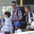 LeAnn Rimes et Eddie Cibrian vont assister au match de baseball de Jake, le fils d'Eddie, à Los Angeles, le 23 mars 2013. Le second fils d'Eddie, Mason, est également présent pour encourager son frère.