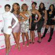 Toni Braxton et ses soeurs, Traci, Towanda, Trina, Tamar et leur maman Evelyn lors de la soirée de lancement de l'émission Braxton Family Values à West Hollywood le 6 avril 2011