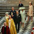 La famille royale britannique en procession lors de la cérémonie à l'abbaye de Wesminster, à Londres, le 4 juin 2013, commémorant les 60 ans du couronnement de la reine Elizabeth II, assuré par l'archevêque de Canterbury Justin Welby et le doyen de Westminster John Hall.