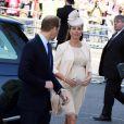 Kate Middleton, enceinte, et le prince William à l'abbaye de Wesminster, à Londres, le 4 juin 2013, pour un service spécial commémorant les 60 ans du couronnement de la reine Elizabeth II, assuré par l'archevêque de Canterbury Justin Welby et le doyen de Westminster John Hall.