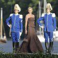 La princesse Charlene de Monaco débarquant au domaine royal Drottningholm, à l'ouest de Stockholm, pour la réception du mariage de la princesse Madeleine de Suède et Chris O'Neill, le 8 juin 2013.