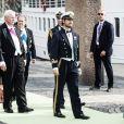 Carl Philip de Suède à bord du SS Stockholm lors du mariage de la princesse Madeleine et de Chris O'Neill le 8 juin 2013 à Stockholm, en route pour la réception à Drottningholm.