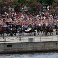 Procession en calèche de la princesse Madeleine de Suède et Chris O'Neill lors de leur mariage le 8 juin 2013 à Stockholm
