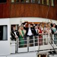 Les têtes couronnées réunies autour de la princesse Madeleine de Suède et Chris O'Neill, jeune mariés, à bord du SS Stockholm le 8 juin 2013 à Stockholm, en route pour la réception à Drottningholm.