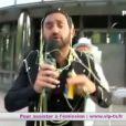Cyril Hanouna, toujours aussi déjanté, décide d'aller à TF1 remercier la chaîne dans Touche pas à mon poste, lundi 10 juin 2013 sur D8