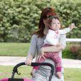 Alyson Hannigan et sa fille Keeva à Brentwood, Los Angeles, le 10 juin 2013.